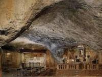 Pietre benedette da Monte Sant'Angelo a Cervinara.