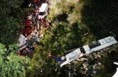 Bus in scarpata: familiari vittime protestano ad Avellino.