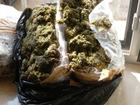 Beccato sulla A16 con circa 22 chili di marijuana.