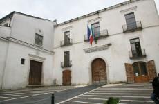 L'ex sindaco di Atripalda Spagnuolo presenta ricorso al Tar: annullare operazioni elettorali.