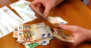 Presta 1000 euro e ne pretende 182mila, arrestato usuraio