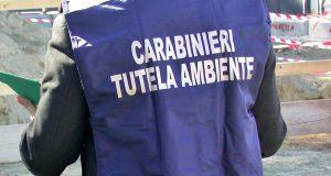 Carabinieri sequestrano autolavaggio.