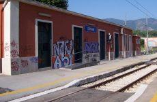 Cervinara: ancora atti vandalici ai danni dello scalo ferroviario.