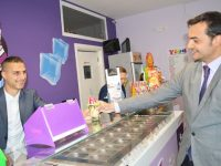 Yogurteria aperta grazie al microcredito Cinque Stelle.