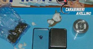 Detenuto domiciliare continuava a spacciare cocaina e marijuana.