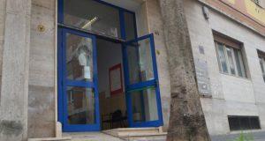 Alto Calore Servizi: danneggiata la porta di ingresso della sede di Corso Europa.