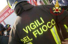Dato alle fiamme a Forchia un container-chiosco per vendita panini e bibite.
