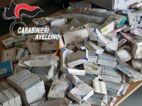 Centinaia di confezioni di farmaci scaduti ritrovati in un casolare abbandonato.