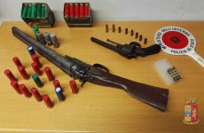 Avellino. La Polizia di Stato denuncia due persone per possesso di armi e trae in arresto un pregiudicato