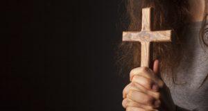 Riti esorcisti e violenza sessuale,arrestato sacerdote