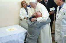 """Papa: con Padre Pio """"speranza per terre sofferenti"""""""