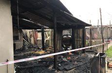 San Martino Valle Caudina. In fiamme una baracca, i carabinieri salvano vita ad un anziano