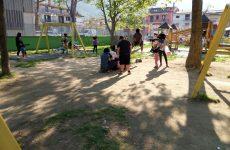 Cervinara. Lo stato di degrado del parco giochi della Villa Comunale.