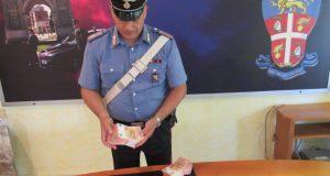 Trovati in possesso di mille banconote da 50 euro false, arrestati.