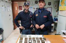Nasconde droga in una galleria ferroviaria: beccato dalla Polizia