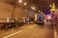 3 autovetture coinvolte in un incidente stradale, 4 le persone ferite