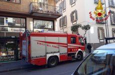 Fuga di gas al secondo piano di un palazzo, evacuate otto famiglie
