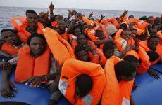 Migranti: per 1 italiano su 5 vanno accolti tutti.