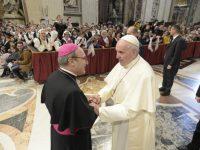 """""""Padre Pio ha amato la Chiesa com'era, non l'ha distrutta con la lingua, com'è di moda farlo adesso""""."""