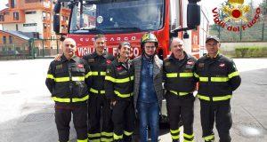 Avellino. Nicola incontra i Vigili del fuoco che gli salvarono la vita