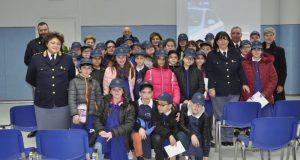 Studenti di Altavilla Irpina in visita alla Questura.