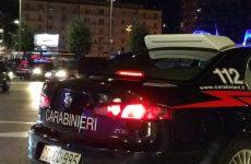 22 enne si scaglia contro i carabinieri, arrestato.