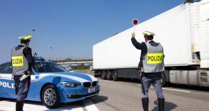 Scoperto un traffico on-line di veicoli provento di furto.